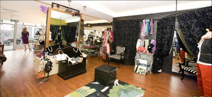 Memories boutique inside view